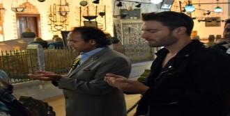 'Mevlana Müzesi'ni Ziyaret Etti'