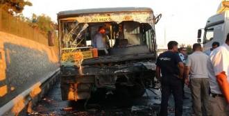 Özel Halk Otobüsü İle Servis Minibüsü Çarpıştı: 1 Ölü