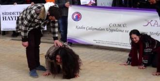 Özgecan Protestosunda Ağlatan Piyes