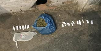 Uyuşturucuyu Çatıdan Atıyorlardı