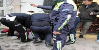 Polise Küfür Edince Gözaltına Alındı