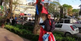 Parti Bayrakları İndirildi