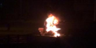 Tankeri Yakıp, Polisle Çatıştılar