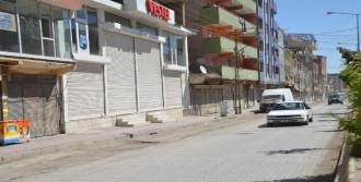 PKK'nın Mezarlıktaki Duvarı Yıkıldı