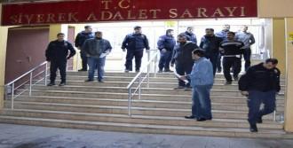 Polis Karakoluna Molotof Atan 2 Kişi Tutuklandı
