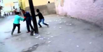 Polisi Görünce Uyuşturucu ve Paraları Atıp Kaçtılar