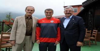 Recep Altepe'den Bursaspor'a Moral Ziyareti