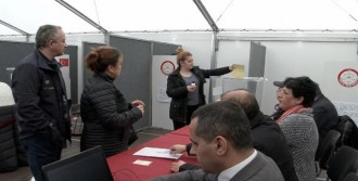 Referanduma Katılım Yoğun Ama Kuyruk Yok