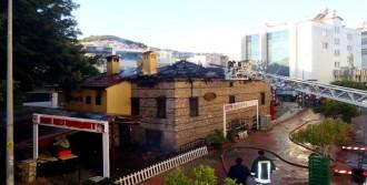 Restoran Olarak Kullanılan Tarihi Ev Yandı
