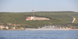 Rus Gemileri Çanakkale'den Geçti