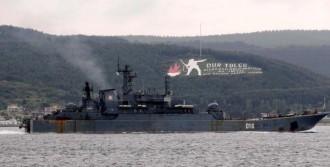 Rus Savaş Gemileri Karadeniz'e Hareket Etti
