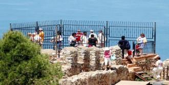 Rus Turist Tarihe Harcamayı Kıstı