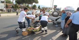 Salihli'de Kaza: 3 Yaralı