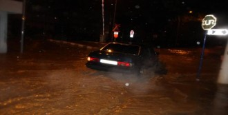 Salihli'de Sağanak Yağış