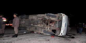Salihli'de Zincirleme Kaza: 21 Yaralı