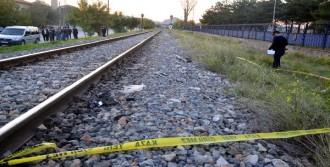 Demiryolu Kenarında Ölü Bulundu