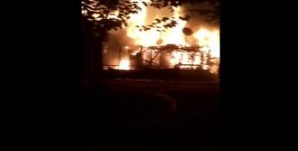 Sancaktepe'de Yangın Paniği