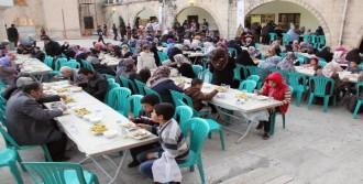 Şanlıurfa'da 100 Bin Kişiye Tirit Ziyafeti