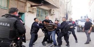 Şanlıurfa'da İki Aile Birbirine Girdi: 9 Yaralı