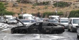 Şanlıurfa'da Otomobil Alev Alev Yandı
