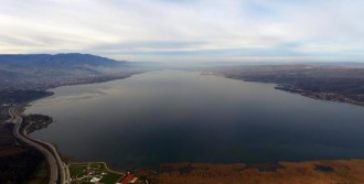 Sapanca Gölü'nde Su Seviyesi Yükseldi