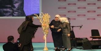 Sare Davutoğlu Kutlu Doğum Programında