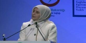 Sare Davutoğlu Sempozyumunda Konuştu