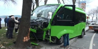 Sarıyer'de Minibüs Kazası