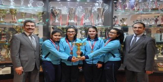 Satrançta Şampiyon Oldular