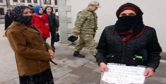 Savaştan Kaçtılar, Erzurum'da Dileniyorlar