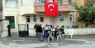 Şehit Polisin Babasının Evinde Yas