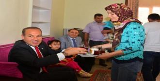 Şekerli Suyla Beslenen İkizler Yeni Evlerinde