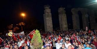 Selçuk'ta Bayrağa Saygı Yürüyüşü