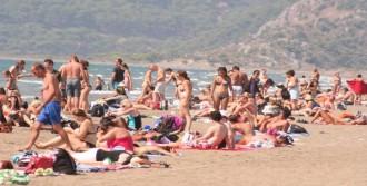 Sıcaktan Bunalan Plaja Koştu