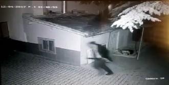 Polisle Çatışıp Kaçtı