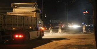 Göstericiler Polis İle Çatıştı