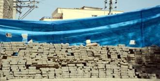 Silvan'da Yol Kapatan PKK'lılar Polise Ateş Açtı