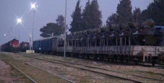 Trenle Askeri Araç Sevkiyatı