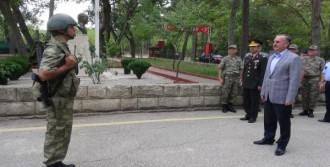 Asker Özdemir'i Böyle Karşıladı