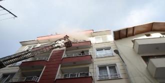 5 Katlı Apartmanda Yangın Paniği