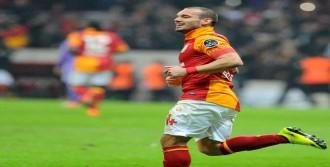 Sneijder Ve Tuncay İlk 15'te