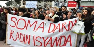 Somalı Kadınlardan Baretli Yürüyüş