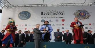 Kılıç, Fetih Kupası Ödül Töreninde