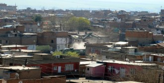 Sur'da Vatandaşlar Evlerine Döndü