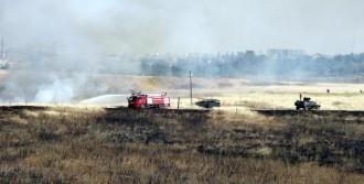Suriye Sınırındaki Mayınlı Bölgede Yangın
