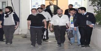 Kaçırılan Gazeteciler Sınırda Bulundu