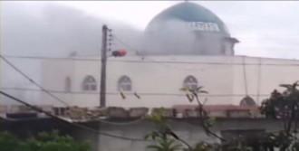 Suriye'de Yine Camiler Bombalandı