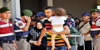 Sığınmacılar Kamplara Gönderildi