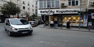 Sürücü Caddeye Hızla Girdi: 7 Yaralı