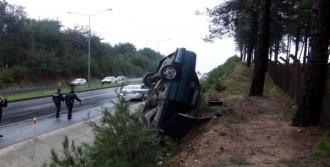 Otomobildeki 2 Kişi Yaralandı
